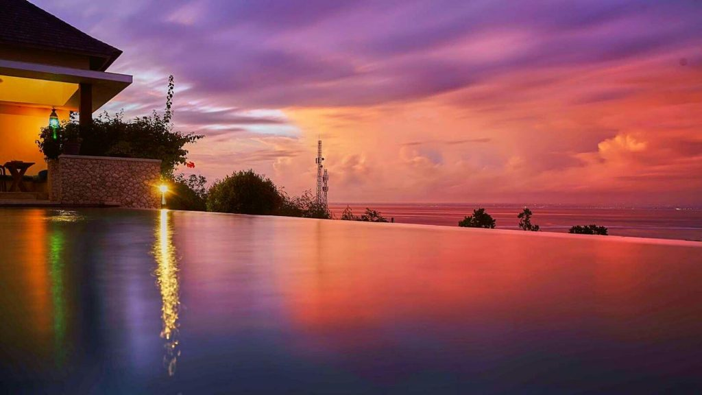 Top 8 Spots to Drink and Watch the Sunset on Nusa Lembongan - 353 DEGREES NORTH