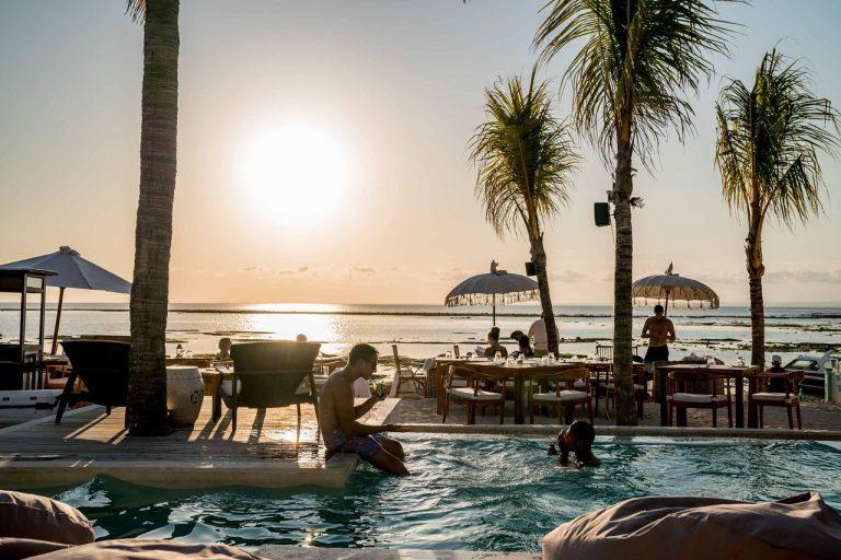 Ohana's beach lounge