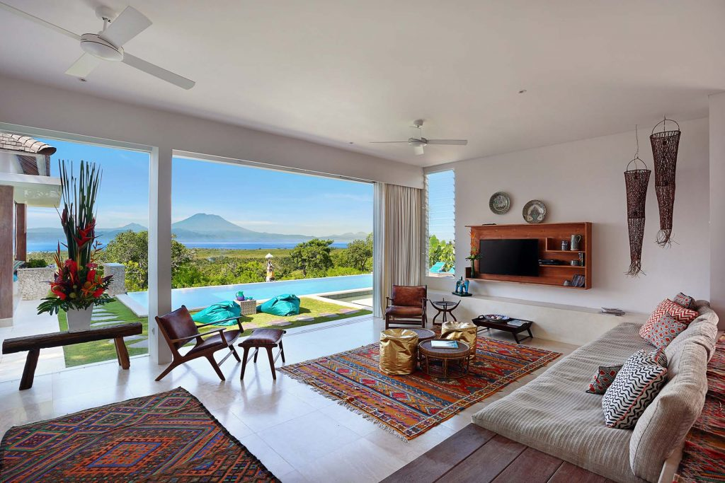 353DegreesNorth-Open Plan Living and Pool View