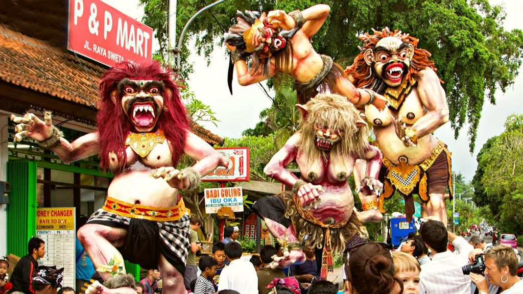 Nyepi on Nusa Lembongan and Bali - 353 Degrees North - Ogah-Ogah Procession