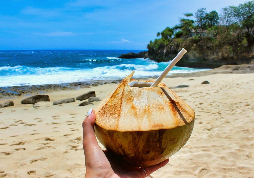 SANDY BAY IS ONE OF THE BEST BEACHES ON NUSA LEMBONGAN