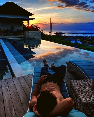 BOOKING VILLA 353 DEGREES NORTH ON NUSA LEMBONGAN, BALI - RELAXING SUNSETS