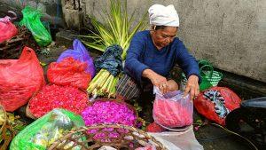 FLOWER OFFERINGS ON NUSA LEMBONGAN, BALI