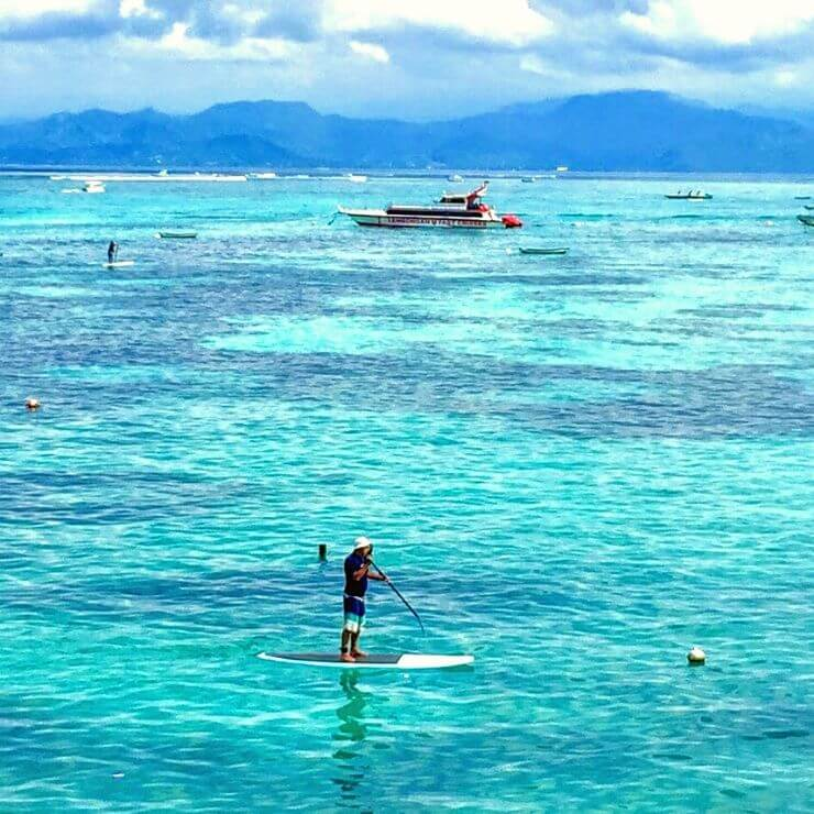 PADDLE BOARDING ON NUSA LEMBONGAN