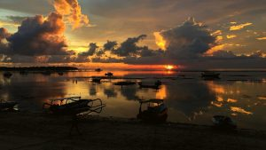 STUNNING GALLERY SUNSET IMAGE ON NUSA LEMBONGAN