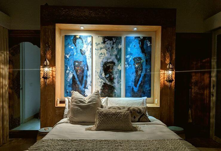 353 DEGREES NORTH MASTER BEDROOM WITH MOROCCAN LIGHTS